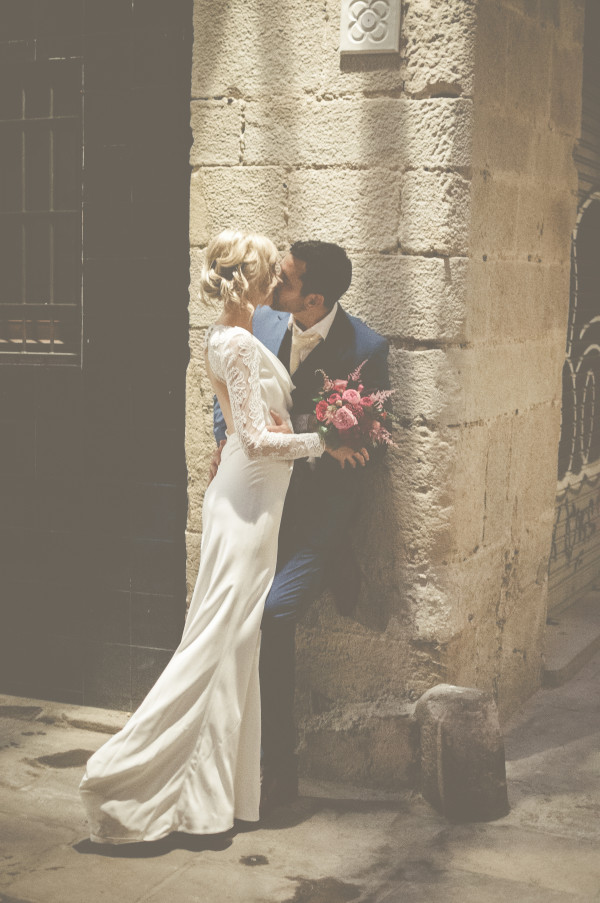 Cheryl & Brooke ~ City Chic in the Gothic Quarter of Barcelona
